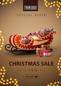 Oferta especial, venta de navidad, banner de descuento con trineo de santa con regalos