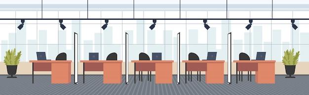 Oficina creativa escritorios de trabajo centro de trabajo de espacio abierto con muebles moderno gabinete interior espacio de trabajo concepto horizontal