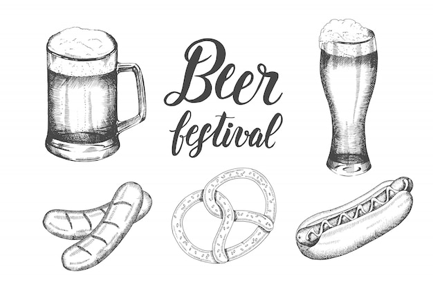 Oktoberfest con vaso de cerveza dibujado a mano, pretzel, salchichas y perro hod. letras hechas a mano. bosquejo.