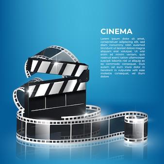 Ola de tira de película de cine, carrete de película y tablero de chapaleta aislado en azul