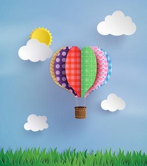 Origami hizo globo de aire caliente y nube