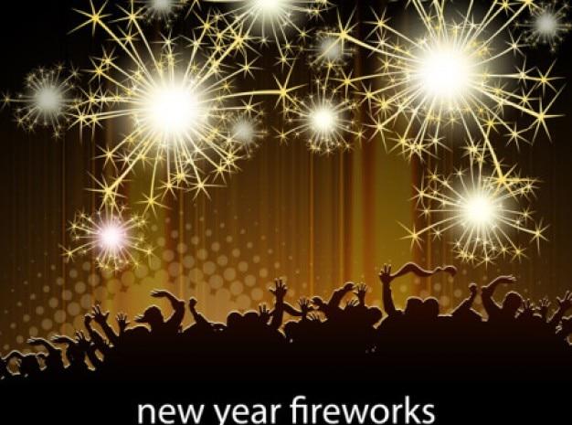 Oro de año nuevo fuegos artificiales celebrando vector multitud