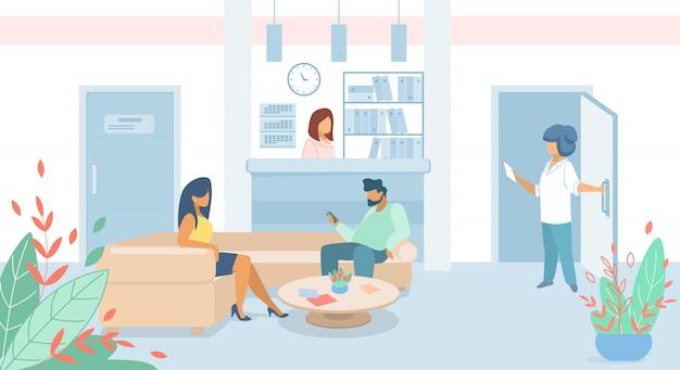 Pacientes de hombres y mujeres sentados en el vestíbulo de la clínica