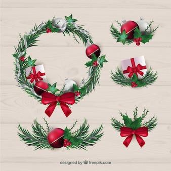 Pack de corona navideñas y otros elementos decorativos