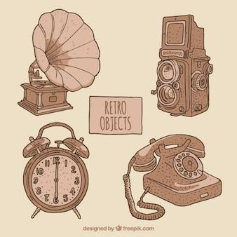 Pack de cuatro bocetos de objetos vintage