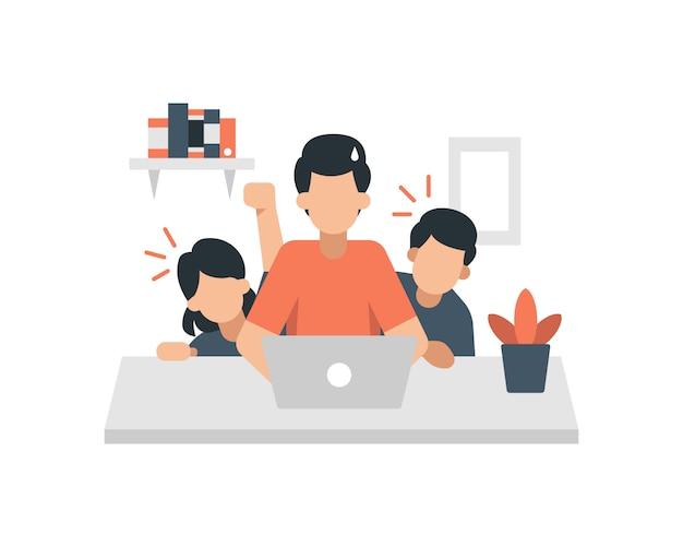 Un padre se siente distraído por sus hijos cuando trabaja en casa.