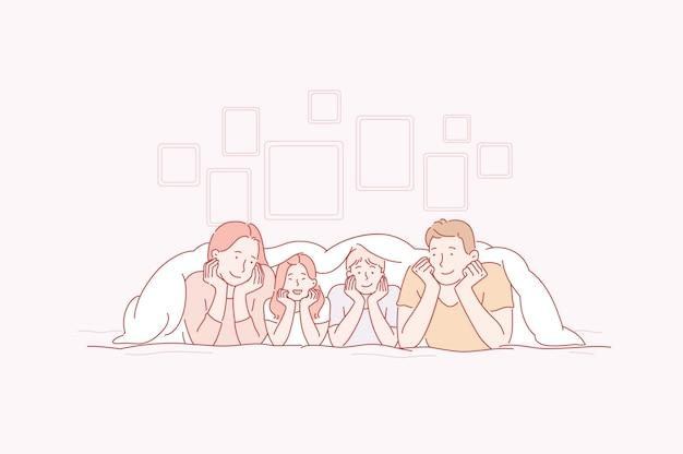 Padres e hijos juegan con sonrisas en los rostros de la casa.
