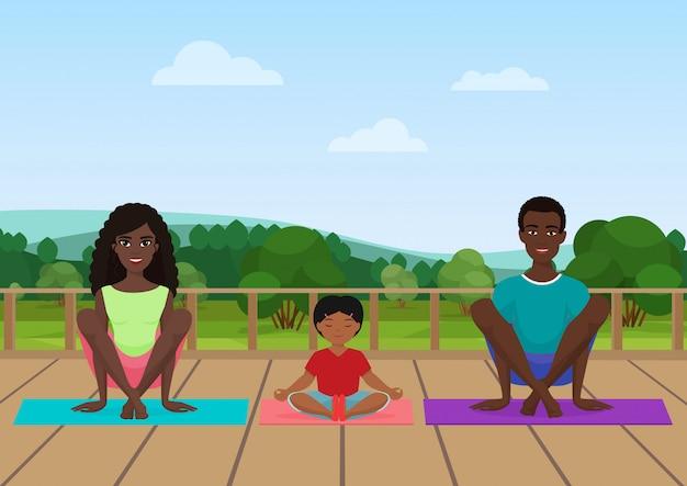 Padres con niños hacen ejercicios de yoga.
