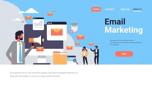 Página de inicio o plantilla web con ilustración, marketing por correo electrónico y tema de correo