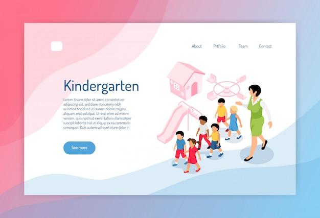 Página web isométrica de jardín de infantes con un grupo de preescolares, educador y objetos de juegos.