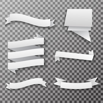 Pancartas de papel blanco y etiquetas en el fondo transparente.