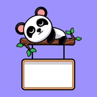 Panda lindo durmiendo en el árbol con mascota de dibujos animados de pizarra en blanco