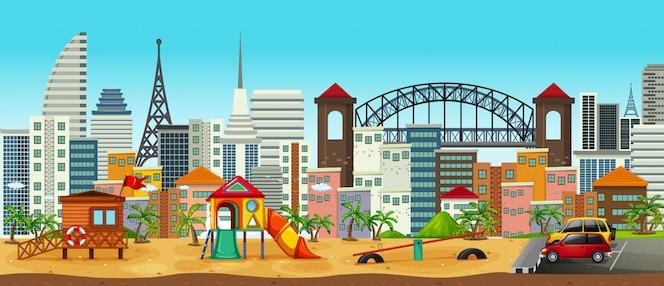 Panorama del patio de recreo en el área urbana
