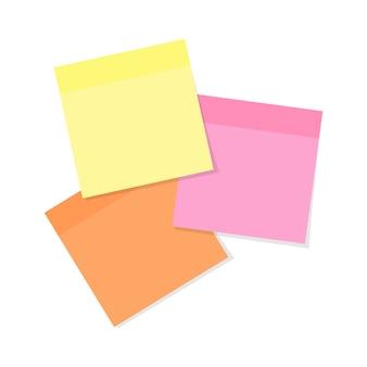 Papel de nota adhesiva en varios colores aislado en blanco