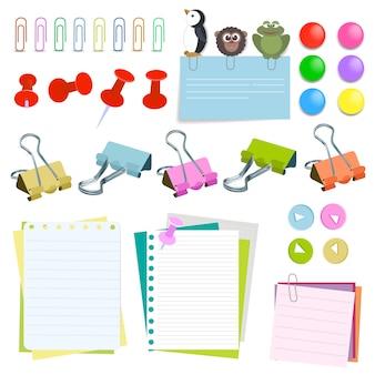 Papel de nota con alfileres y clips de diferente color. juego de pasadores de clip de papel