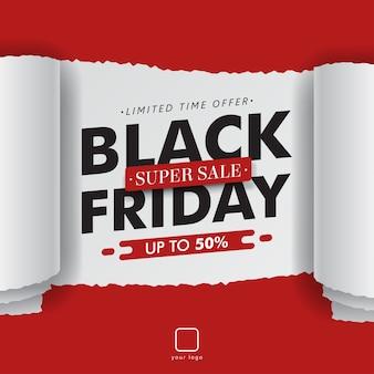 Papel rodado rasgado venta negra de viernes aislado en rojo.