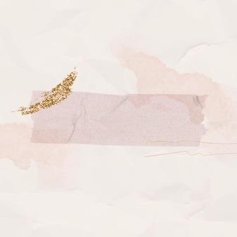 Papel rosa arrugado en blanco con plantilla de cinta washi