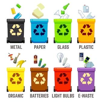 Papeleras de reciclaje con diferentes tipos de desechos