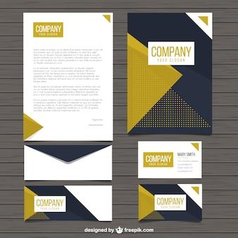 Papelería de empresa con formas triangulares