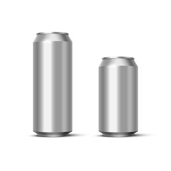 Paquete de cerveza o refresco de aluminio, latas metálicas en blanco realistas.