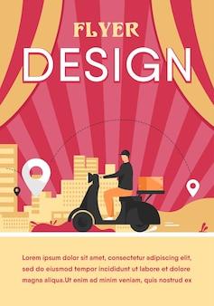 Paquete de envío de mensajería en ilustración plana ciclomotor. hombre de servicio de dibujos animados entregando paquetes y utilizando navegación gps. plantilla de volante
