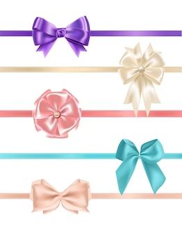 Paquete de hermosos lazos de satén realistas y cintas de varios tipos y colores aislados
