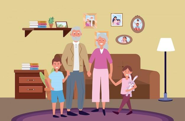 Pareja de ancianos con hijos