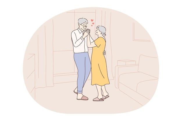 Pareja de ancianos mayores que viven el concepto de estilo de vida activo feliz.