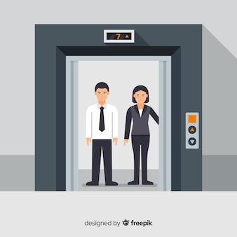 Pareja en ascensor
