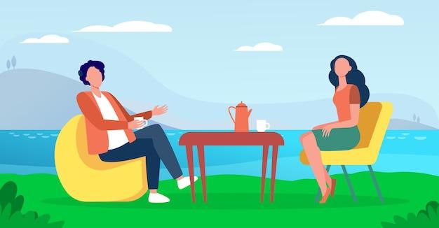 Pareja bebiendo té en la cafetería en la naturaleza. lago, taza, resto ilustración vectorial plana. concepto de vacaciones y ocio