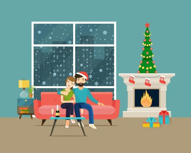 Pareja en casa sentado en el sofá. interior de la sala de navidad. árbol de navidad, chimenea y sofá. ilustración vectorial plana