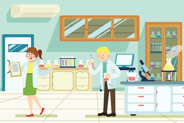Pareja científica trabajando en un laboratorio