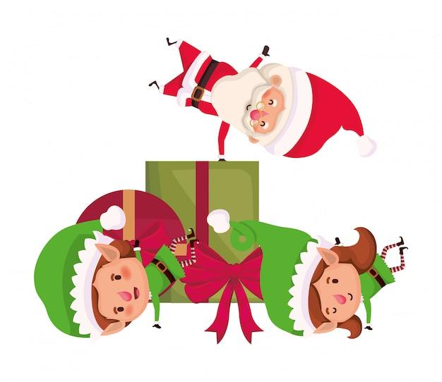 Pareja de elfos y santa claus con caja de regalo