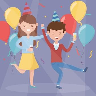 Pareja feliz bebiendo y bailando fiesta de celebración