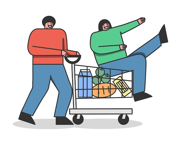 Pareja feliz comprando productos comestibles