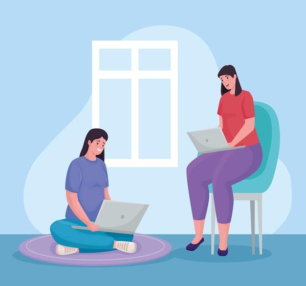 Pareja de mujeres que usan computadoras portátiles para reunirse en línea en el hogar