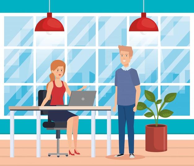 Pareja de negocios en el lugar de trabajo