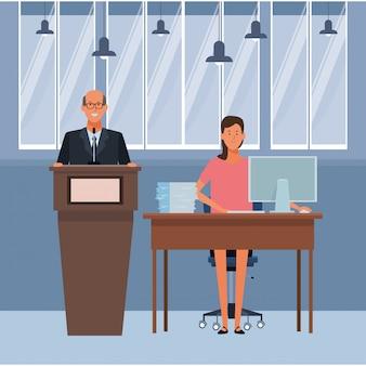 Pareja en un podio y escritorio de oficina