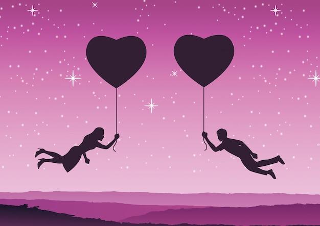 Pareja sostiene el globo en forma de corazón y vuela acercarse juntos