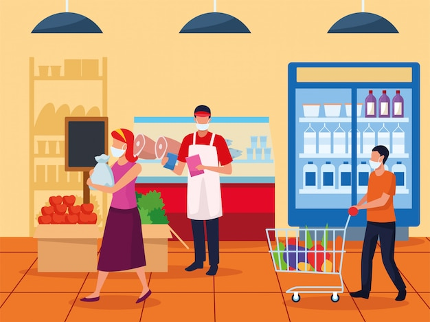 Pareja y trabajador con mascarillas en supermercado