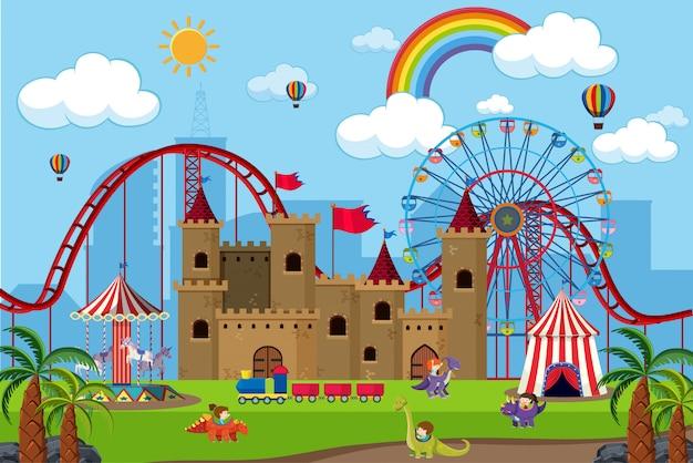 Parque de atracciones con niños en paseos