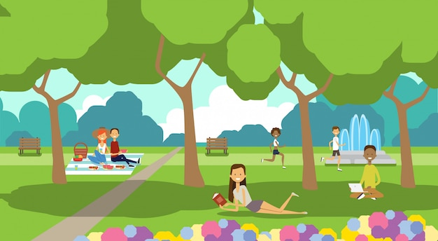 Parque de la ciudad personas relajantes sentados césped verde usando laptop picnic hombre mujer árboles paisaje fondo horizontal plano