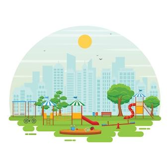 Parque de la ciudad en verano con juegos para niños