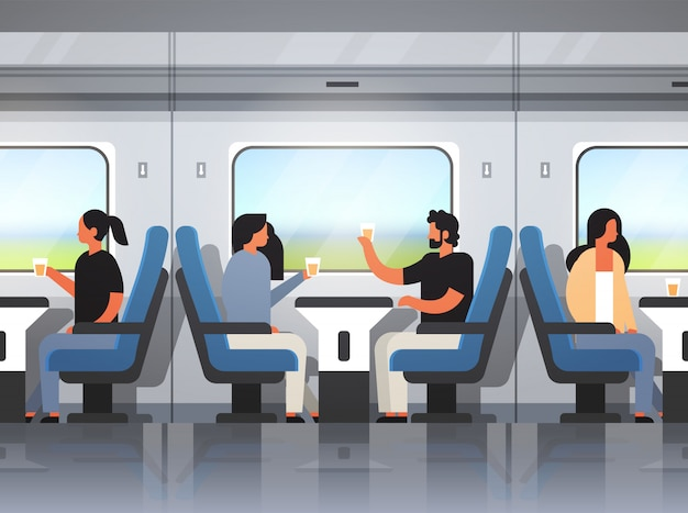 Pasajeros que viajan en moderno tren expreso