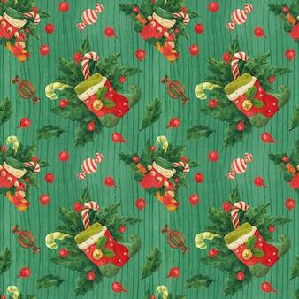 Patrón de acebo verde de navidad con medias de duende y bastones de caramelo, acuarela trazada
