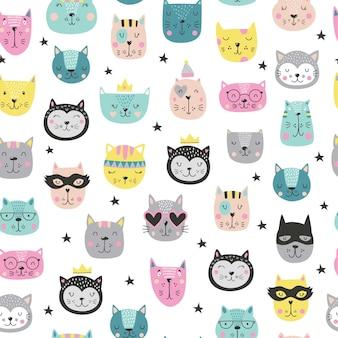 Patrón de caras de gatos lindos de dibujos animados en estilo escandinavo.