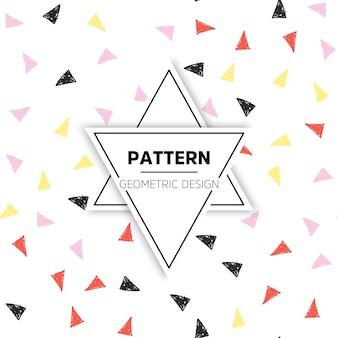 Patrón colorido dibujado a mano con triangulos