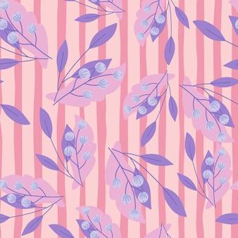 Patrón sin costuras aleatorio con siluetas de hojas y bayas de serbal lindo púrpura