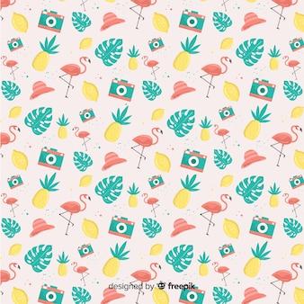 Patrón elementos de verano dibujado a mano colores pastel