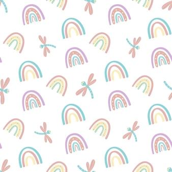 Patrón sin fisuras de arco iris abstractos y libélulas.